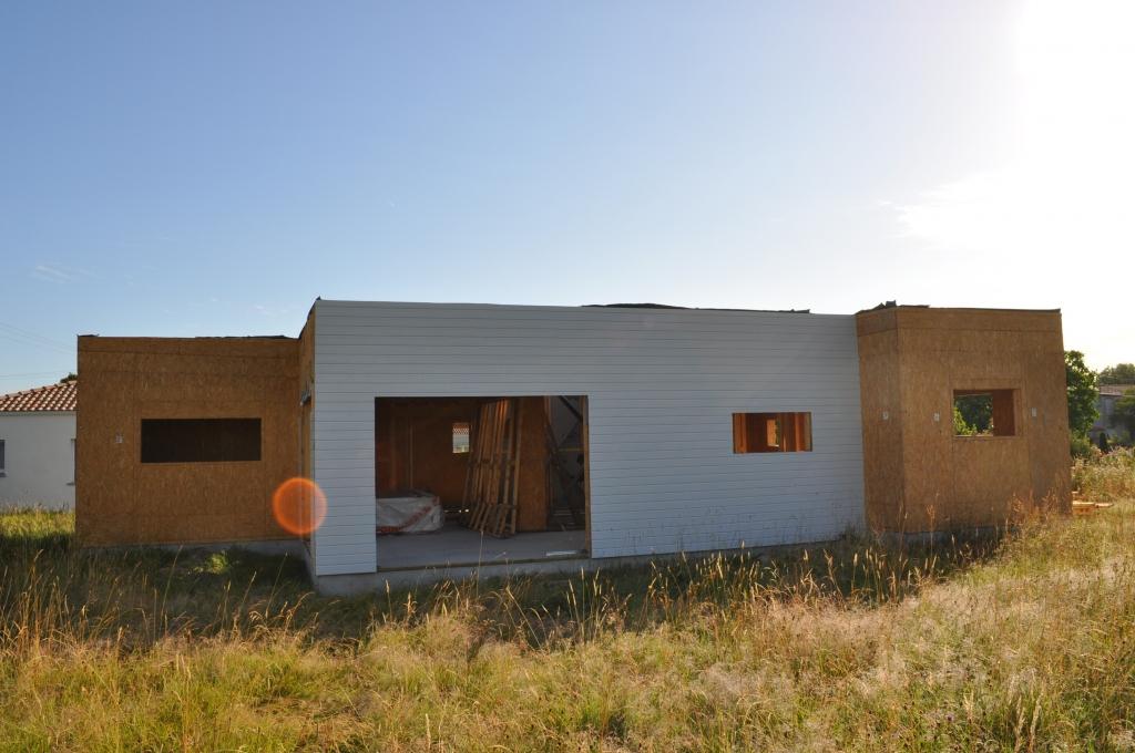 maisdon sur sevre dep 44 loire atlantique maison bois roumanie. Black Bedroom Furniture Sets. Home Design Ideas