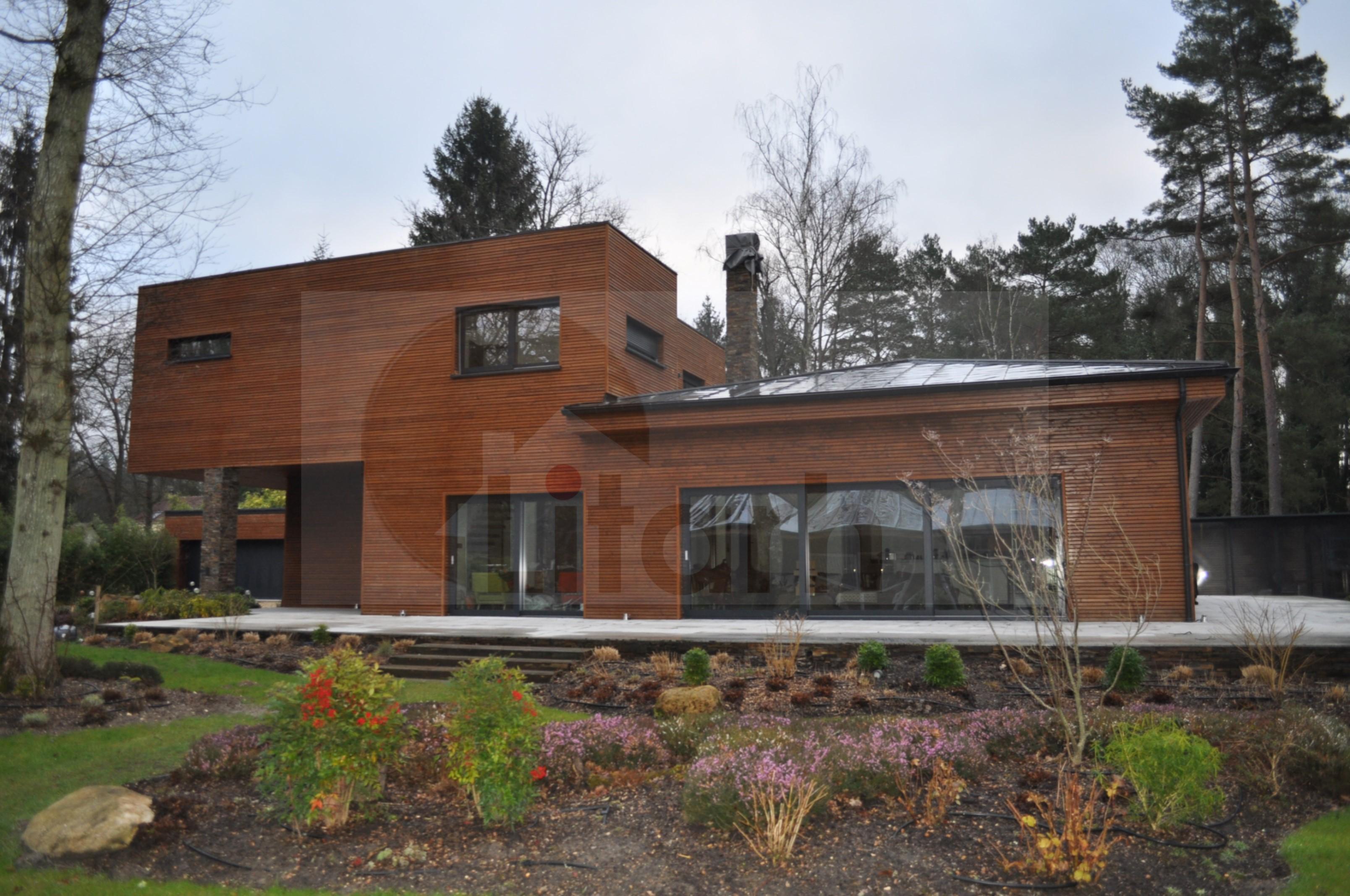 Gregory arbonne la foret dep 77 maison bois roumanie for Construire maison 77
